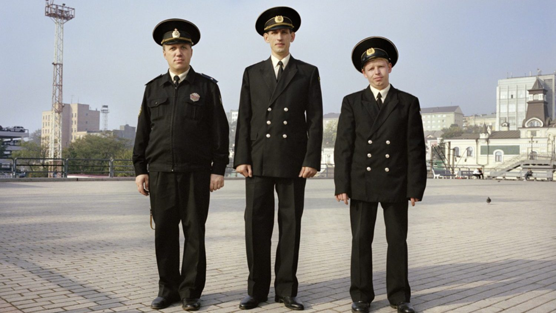 © Saimons Robertss, Ostas darbinieki, Vladivostoka