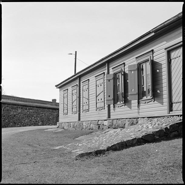© Raimo Lielbriedis, Suomenlinna, Helsinki, FI 2009. Fotografēts ar Hasselblad 500C, objektīvs Planar 80/2.8, ekspozīcija 1/60 F8, filma Ilford FP4Plus, attīstītājs Agfa Rodinal