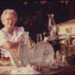 Patrīcija D. Dunkana (Duncan, Patricia D), Krāmu tirgus Vaitklaudā, Kanzasā (09/1974)