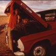 Terijs Īlers (Eiler, Terry), Navajo cilts bērni izpēta savu vecāku pikapu