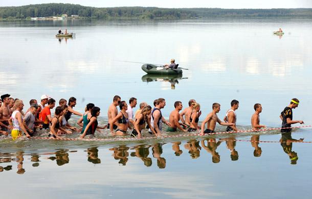 Viktors Dračevs. Ekstrēmā sporta cienītāju sacensības Minskas ezerā