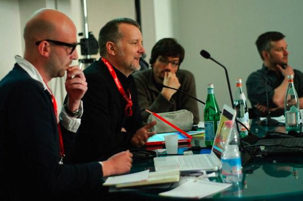 Harijs Hardijs (no kreisās), Pols Lovs un Miška Henners