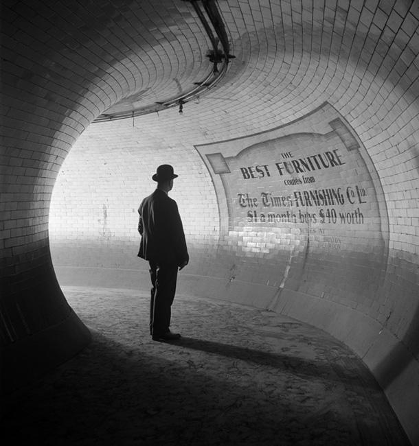 E. O. Hopē. Britu Muzejs. Metro Pietura, 1937