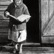 Uģis Niedre. Emīlija Baumane (dz. 1912.g.) ar bībeli rokās