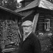 Uģis Niedre. Kārlis Ziemelis pie savas mājas. 1982. 18. sept.