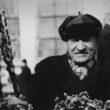 Uģis Niedre. Pūpolu pārdevējs Rīgas Centrāltirgū pūpolsvētdienā. 1978. g. aprīlis