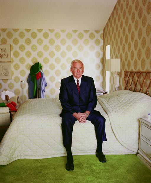 """Lerijs Sultans. Tētis uz gultas, 1984. No sērijas """"Pictures From Home"""""""