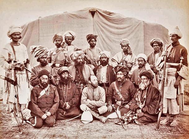 Džons Bērks. Britu vēstnieks Kavadžnārī ar afgāņu vadoņiem, 1879