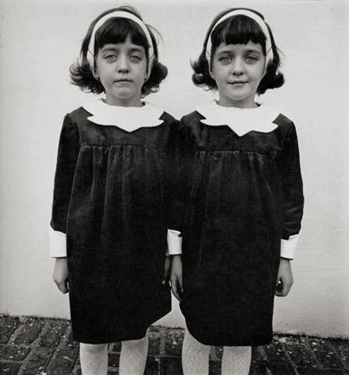 Daiena Arbusa. Identiskās dvīnes, 1967