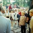 11.klašu audzēkņi gatavojas pirmklasnieku ievešanai skolā; 1988.gada 1.septembris Rīgas 47.vidusskolā, Jānis Tjutjunniks