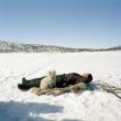 Selīna Klanē. Ole Ailo guļ uz ziemeļbrieža ādas, Masi, 2005