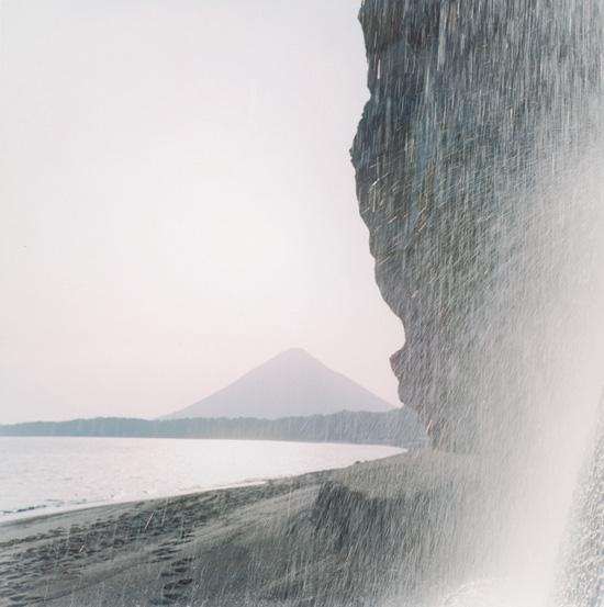 """Rinko Kavauči. No sērijas """"Illuminance"""", 2009. Pateicība Galerie Priska Pasquer, Ķelne"""