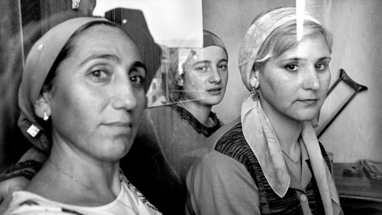 "Justīna Melnikeviča. No sērijas ""Shared Sorrows, Divided Lines"", Kaukāzs."