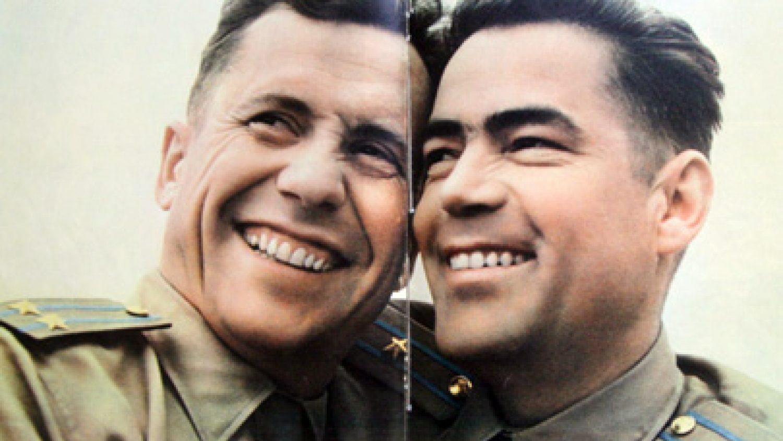"""Kosmosa dvīņi. Žurnāls """"Padomju Savienība"""". 1962"""