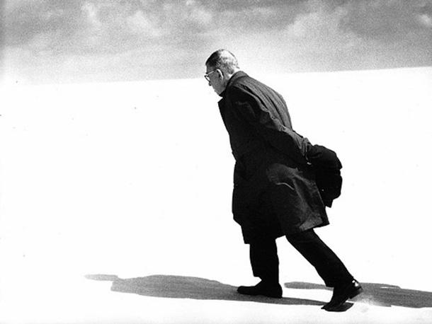 Antanas Sutkus. Jean-Paul Sartre in Lithuania. Nida, 1965