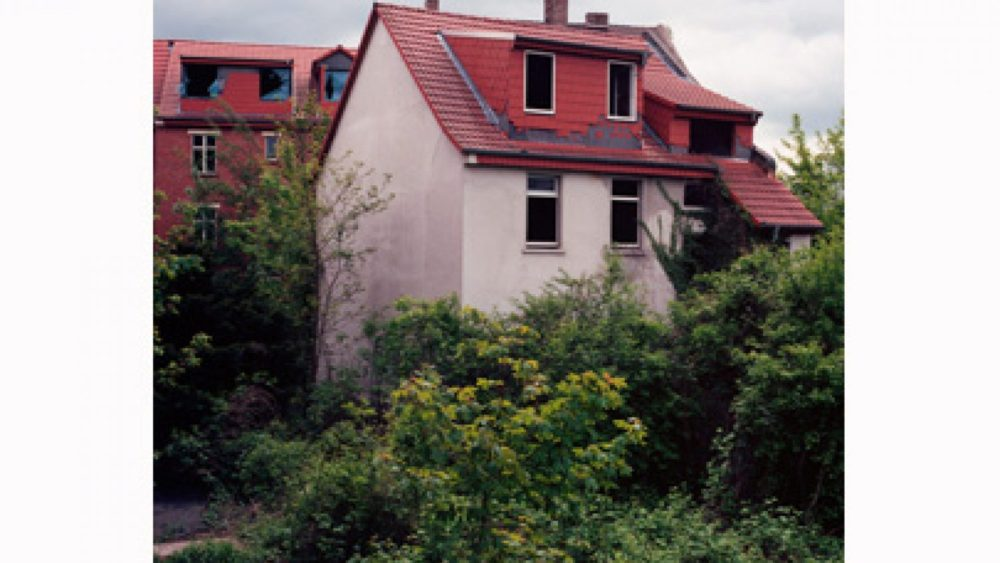 Paralizēti ēku atjaunošanas darbi. Foto - Niko Baumgartens