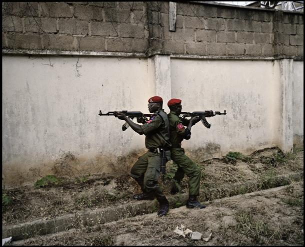 Benedikte Kurzena. Dieviem zudusī nācija. Nigērija, 2011