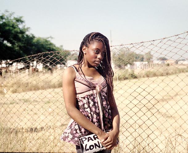 """Mišela Palermo. Evelīna (14). Viņas vecāki ieradās no Nigērijas gandrīz pirms 20 gadiem. """"Dažreiz mana mamma saka, ka es esmu pārāk itāliska."""""""