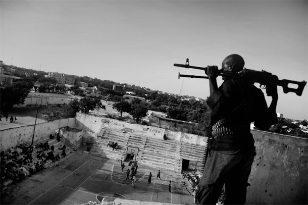 """Jans Grarups. No sērijas """"I Just Want to Dunk"""", Somālija. 1. vieta World Press Photo sporta fotogrāfijas kategorijā"""