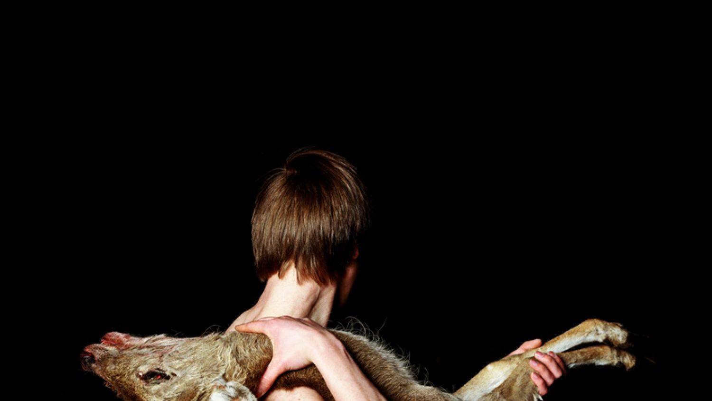 "Endrjū Brūss, Sākums (The Opening), 60x48"" C-Type kopija, 2013"