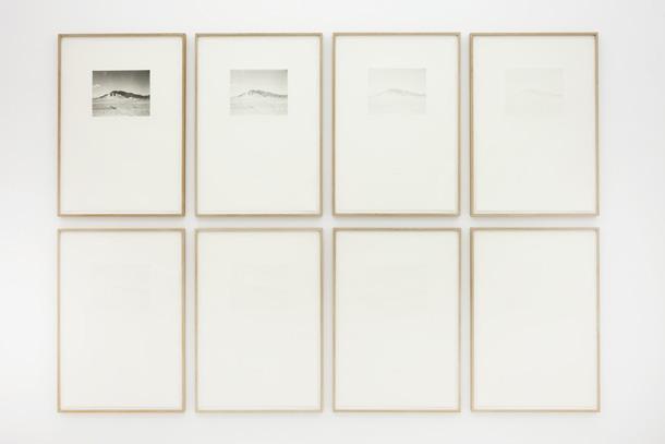 Ādams Jepesens. Bez nosaukuma. 11. oktobris, 2013. 8 izdruku sērija, fotogravīra. Skats no izstādes. Peter Lav Gallery