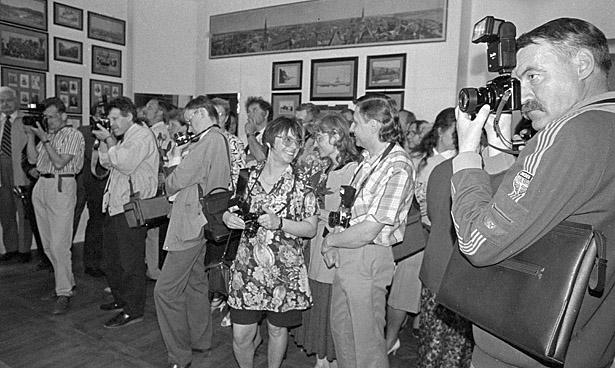 Latvijas Fotogrāfijas muzeja atklašāna 1993.gada 18. maijā. Fotogrāfs - J. Eiduks