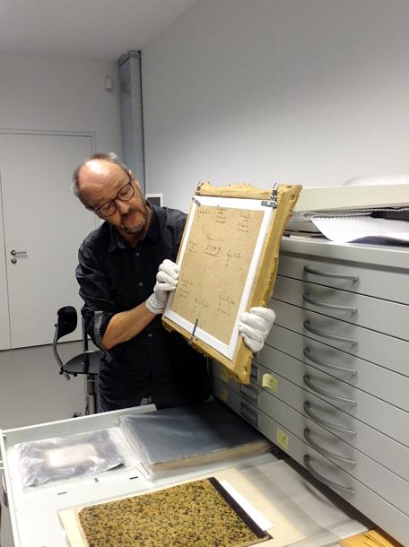 Šveices fotofonda speciālists Martins Gasers. Foto - Arnis Balčus