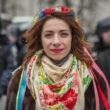 """Marija Artemenko, Kijeva, 22 gadi, PR menedžere. """"Esmu šeit, jo esmu pret vardarbību un cūcību manā valstī. Atzīšos – pirmajā Maidana nedēļā manis te nebija. Es izgāju ielās pēc tam, kad manus draugus, kolēģus, studentus, un citus jauniešus brutāli piekāva, izklīdinot protestētājus no Eiromaidana. Tā ir revolūcija par mūsu valsti un mūsu tautu, par jaunatni – kas atklāj sev jaunas iespējas un nosaka savu nākotni."""" Foto - Aleksejs Furmans"""