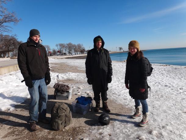 Fotografējot ziemas peldētājus. Foto - Stīvens Hernans