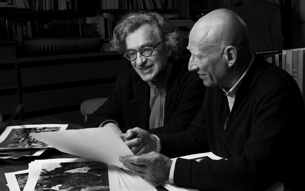 Vims Venderss un Sebastiano Salgado. Publicitātes foto