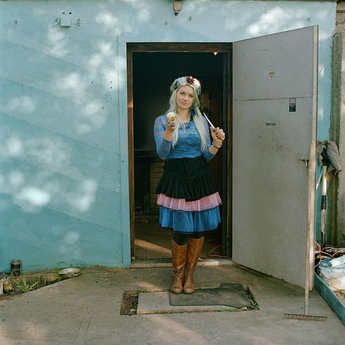 Ieva Markvarte Ķīpsalas komūnā Ķipis. Foto - Kaspars Goba