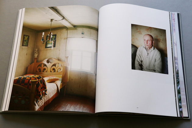 """Skats no grāmatas """"Latvijas ainava"""" ar Ivetas Vaivodes darbiem"""