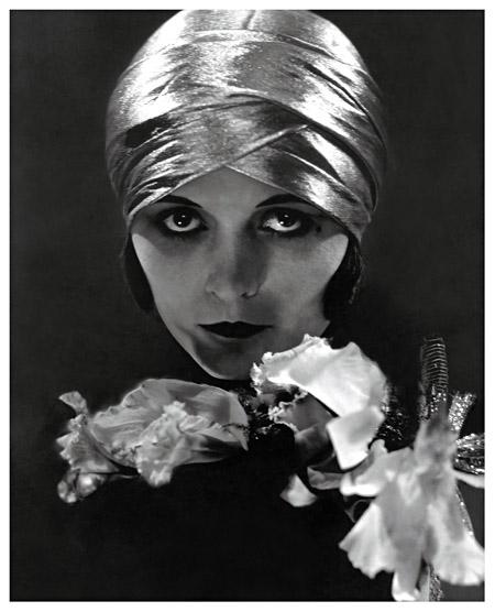 Edvards Steihens. Aktrise Pola Negri, 1925
