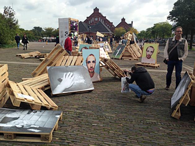 """Skats no izstādes """"Embarrassment Show"""", kuras kurators bija Eriks Kessels. Foto - Inga Erdmane"""