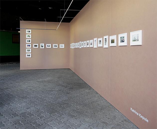 """Katrīnas Ķepules darbi izstādē """"Teritorijas"""" Dzelzceļa muzejā. Foto - Arnis Balčus"""