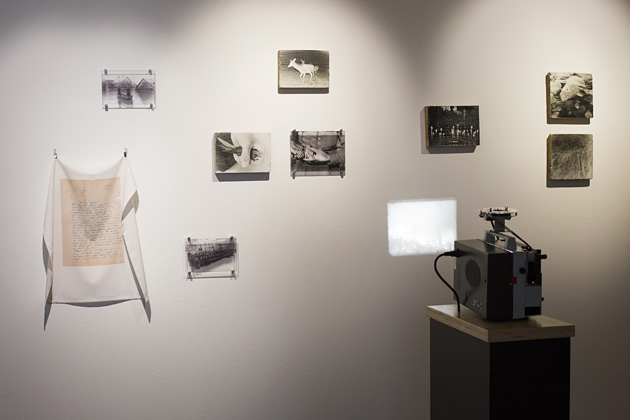 """Ievas Balodes izstāde """"Neredzamie attēli"""" LMC Ofisa galerijā. Foto - Kristīne Madjare"""