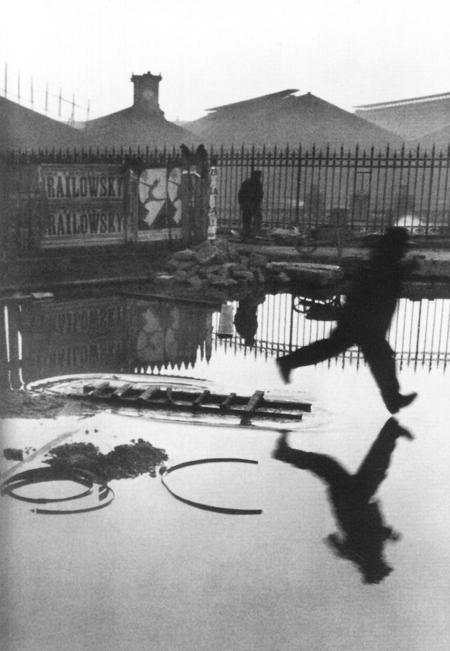 Anrī Kartjē-Bressons. Aiz Senlazāra stacijas, 1932