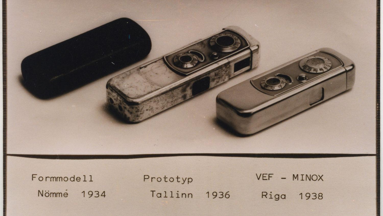 LFMp1903 Minox kameras prototips un VEF minox. Reproducēja Pēteris Korsaks. 2000. gads Oriģināls 1938-1940. gadi